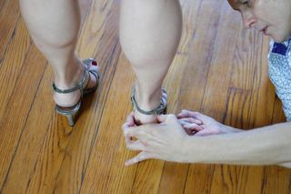 Outer edge of the heel - foot stability - high heel healing - Herald