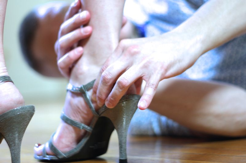 High heel foot pain relief - High Heel Healing